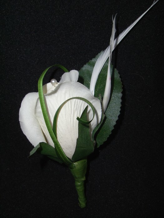 Buttonhole in artificial cream rose with feather