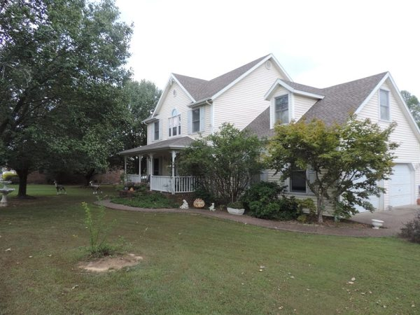 156 Lakeview DR, Beechmont