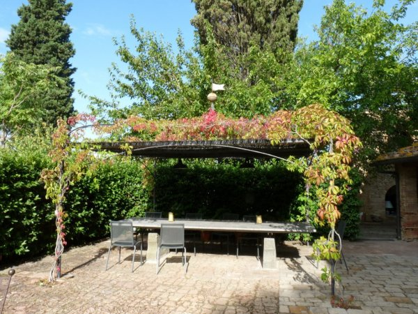 Alfresco dining with great wine and Tuscan food makes for a good nights sleep