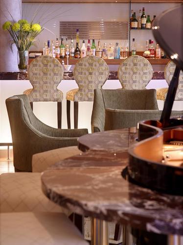 Lounge and Piano Bar