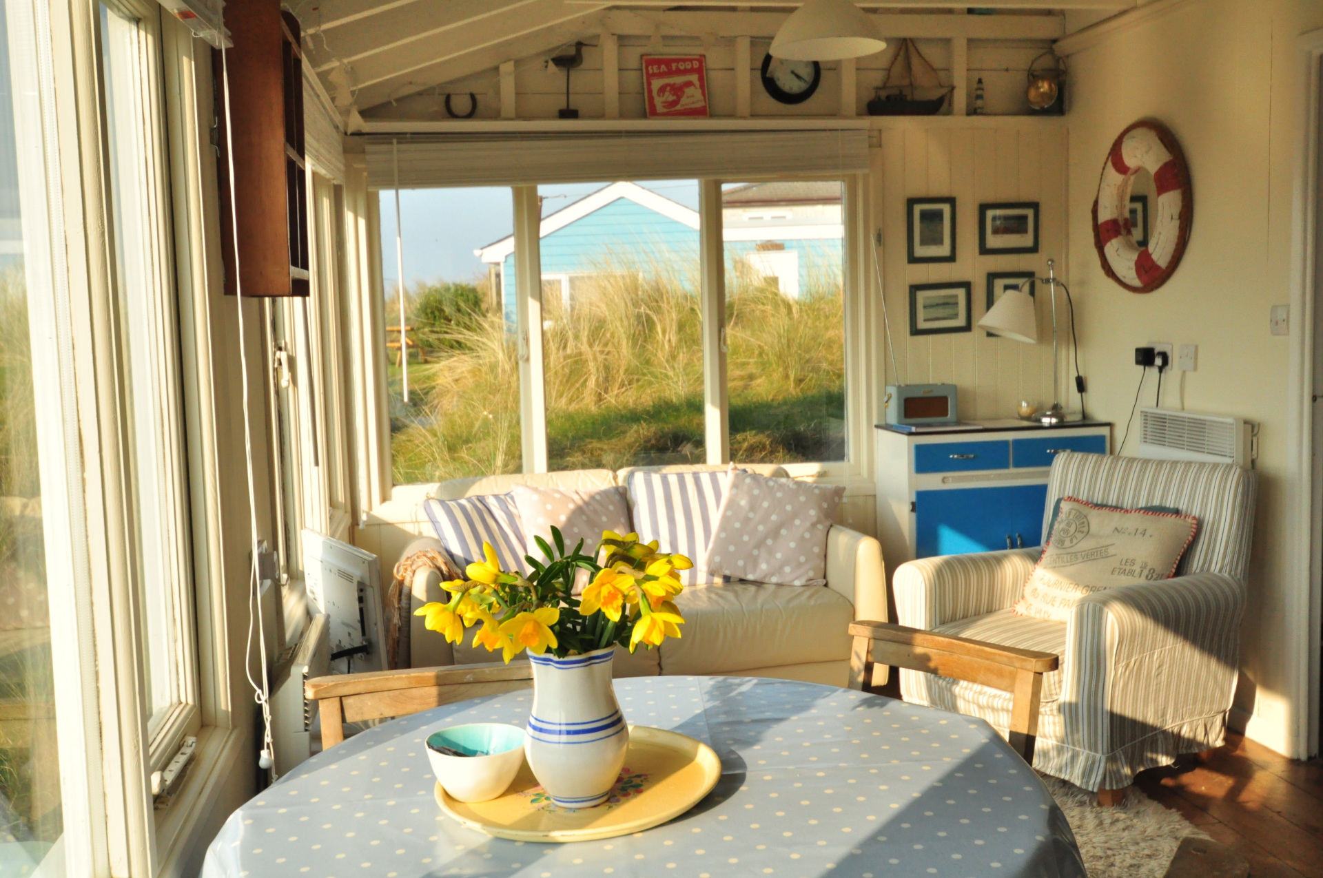 sea view beautiful location cornwall hayle beach chalet self catering