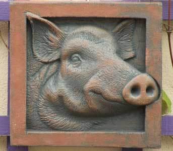 wild boar, ama menec, hog sculpture, terracotta sculpture, wild boar sculpture, Forest of Dean.