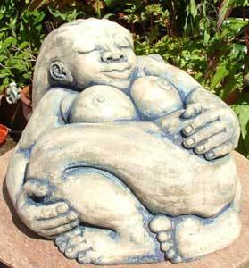 Dreaming Goddess, earth goddess, Dreaming garden sculpture, British figurative sculpture, Ama Menec sculpture.