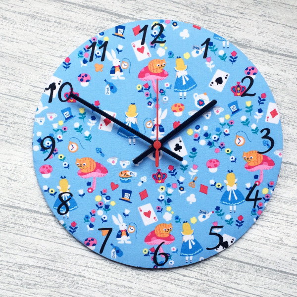Alice in Wonderland Clock - £20