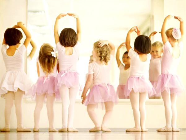 Mini Ballet (New term starting January 2018)