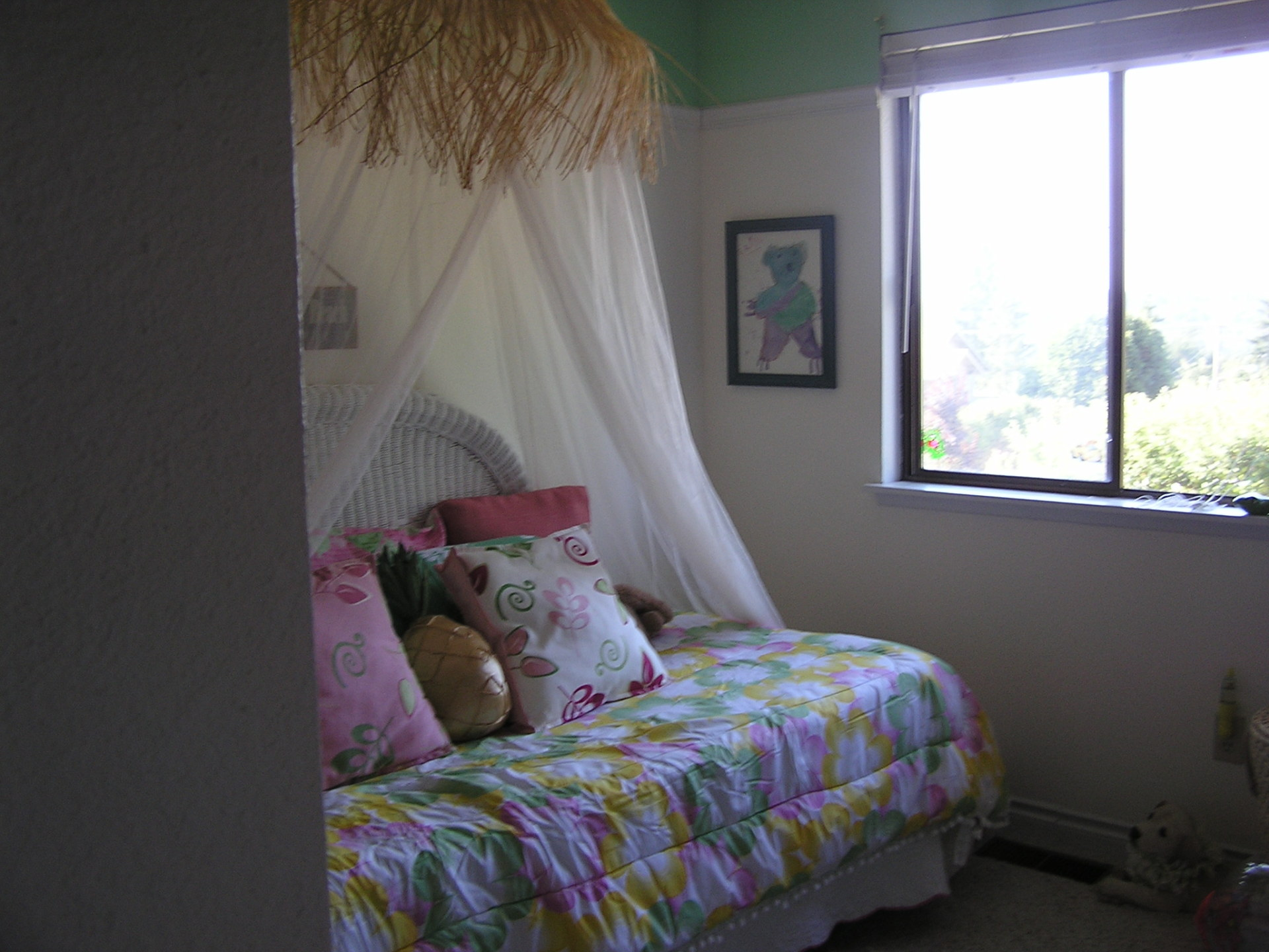 Girls Bedroom with an Hawaiian Flair