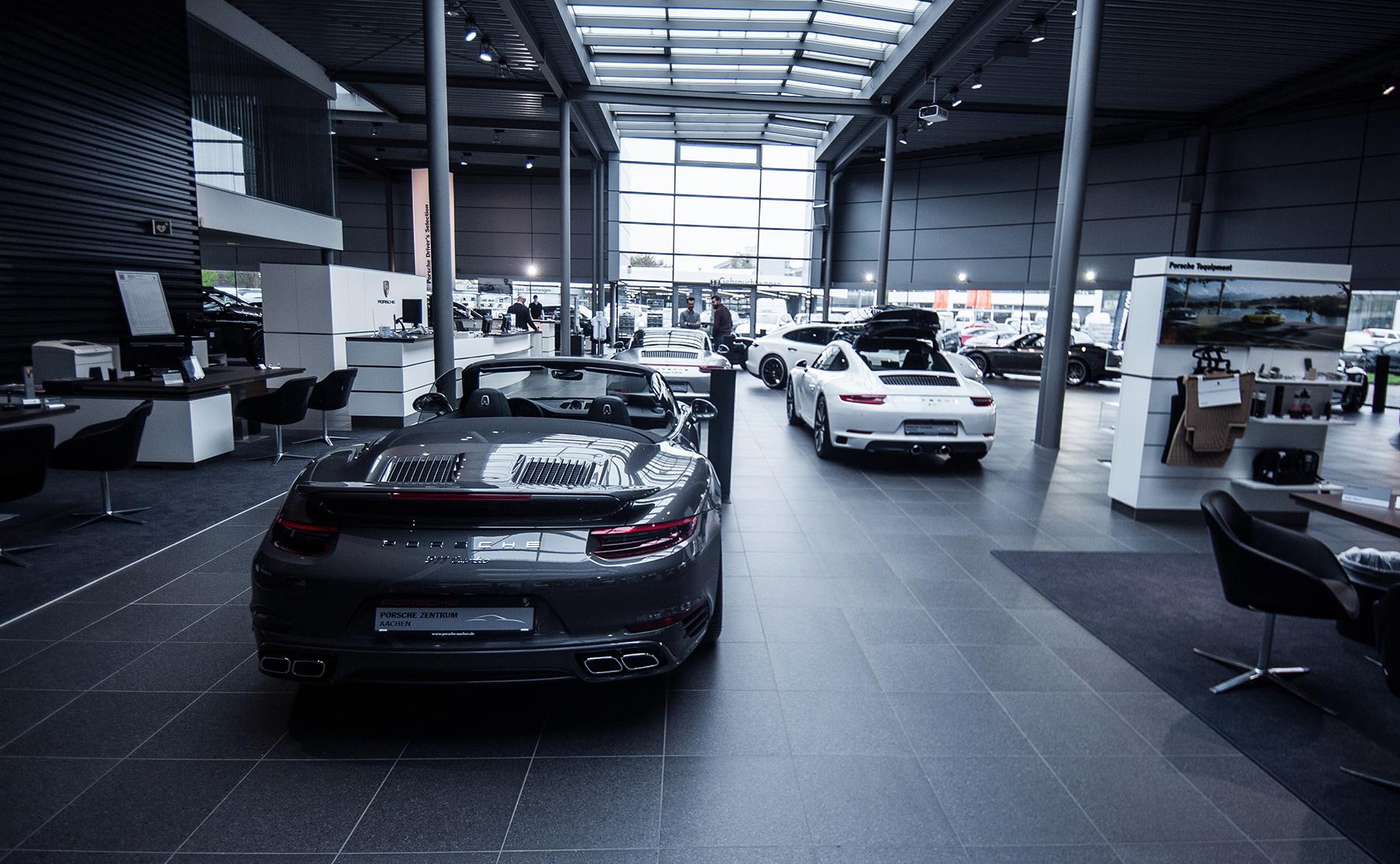 Roadpursuit Porsche centrum Aachen roadtrip