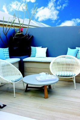 garden decking fitter