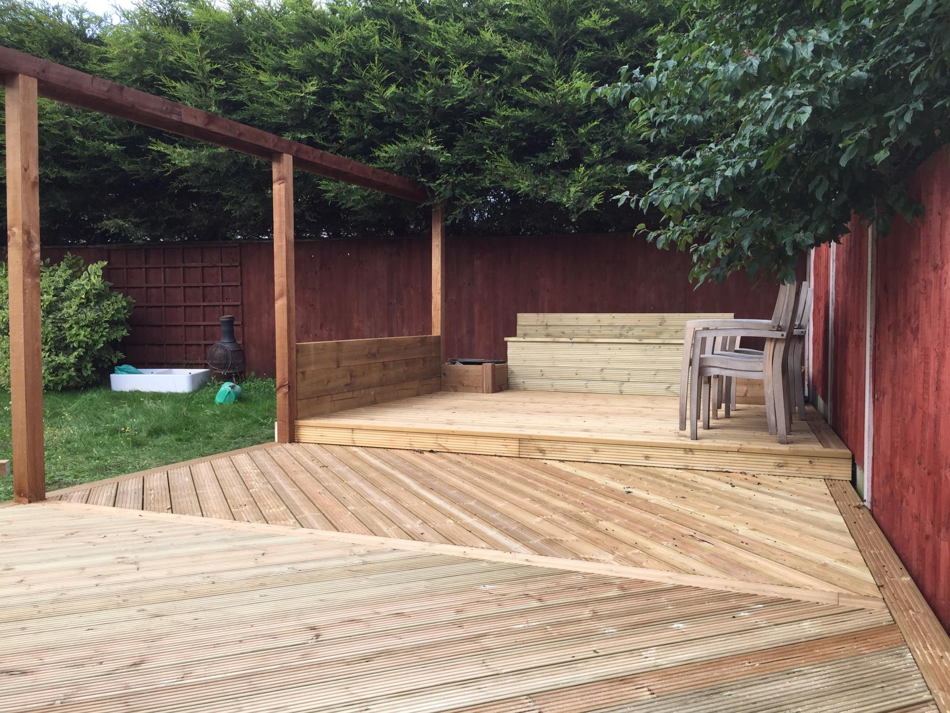 complete decking design and installation Stratford-upon-avon
