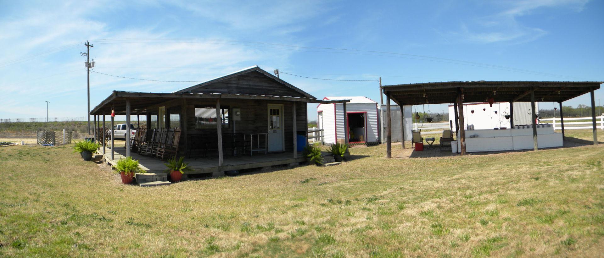 Panorama-strawberry-hut