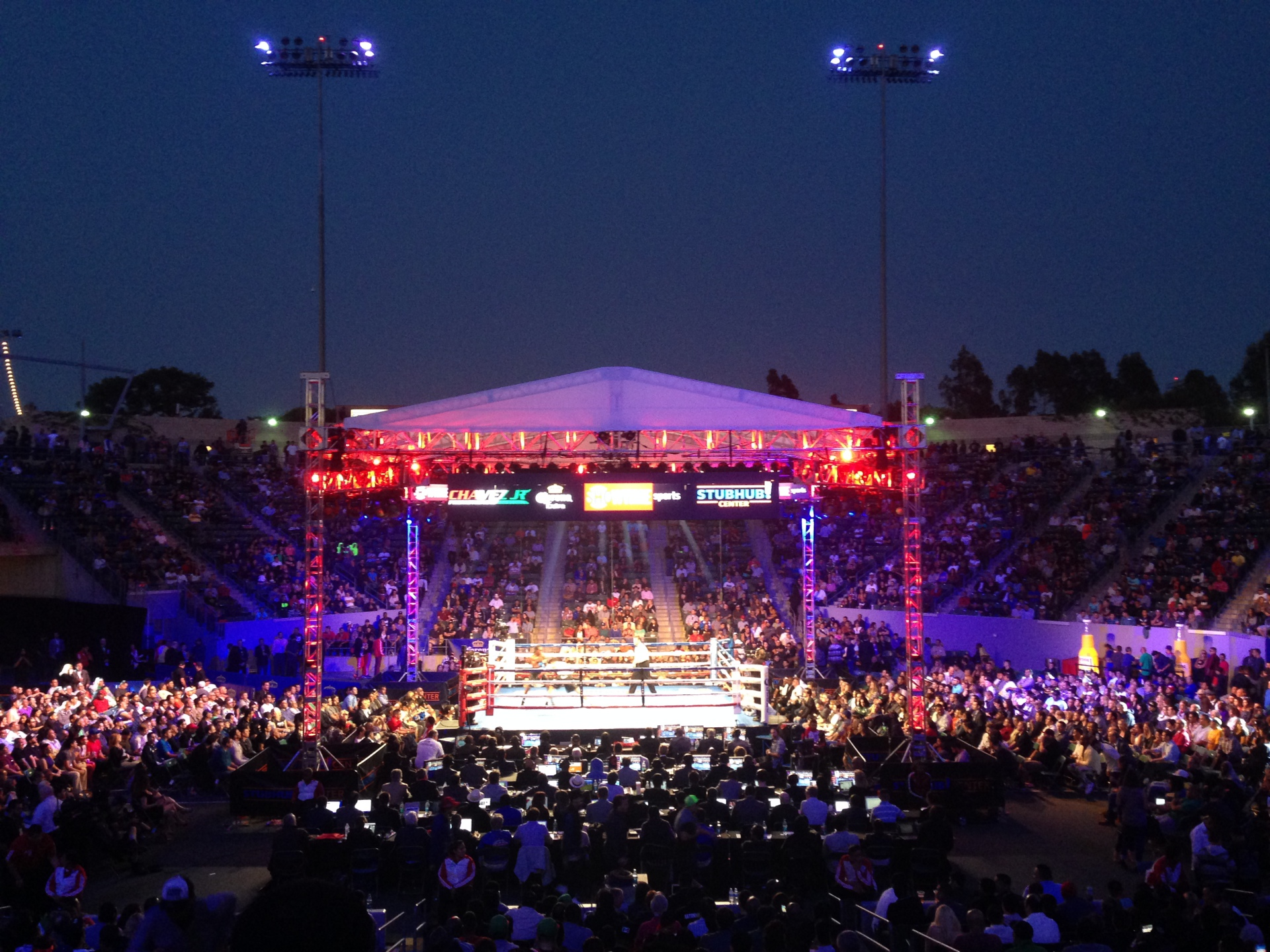 Chavez Jr. vs Fonfara Stubhub Center, Carson, CA