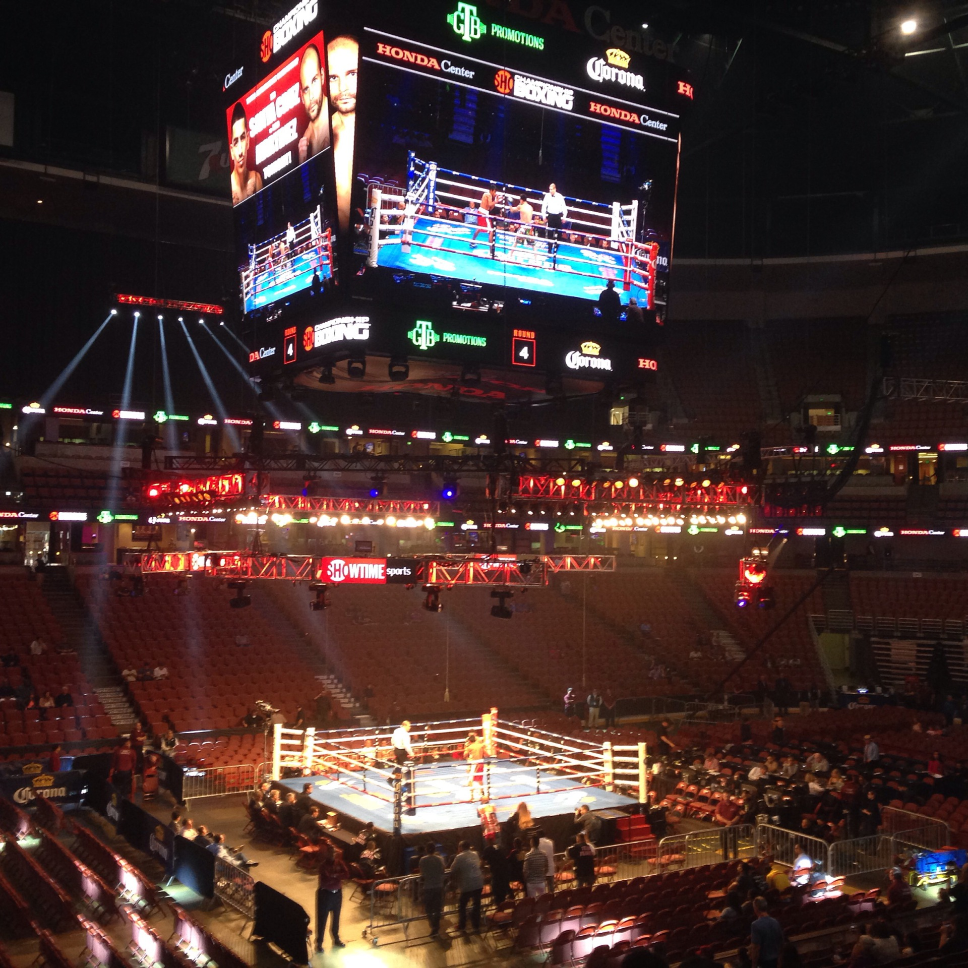 War Staged in Anaheim & Ruiz Forces Rubber Match
