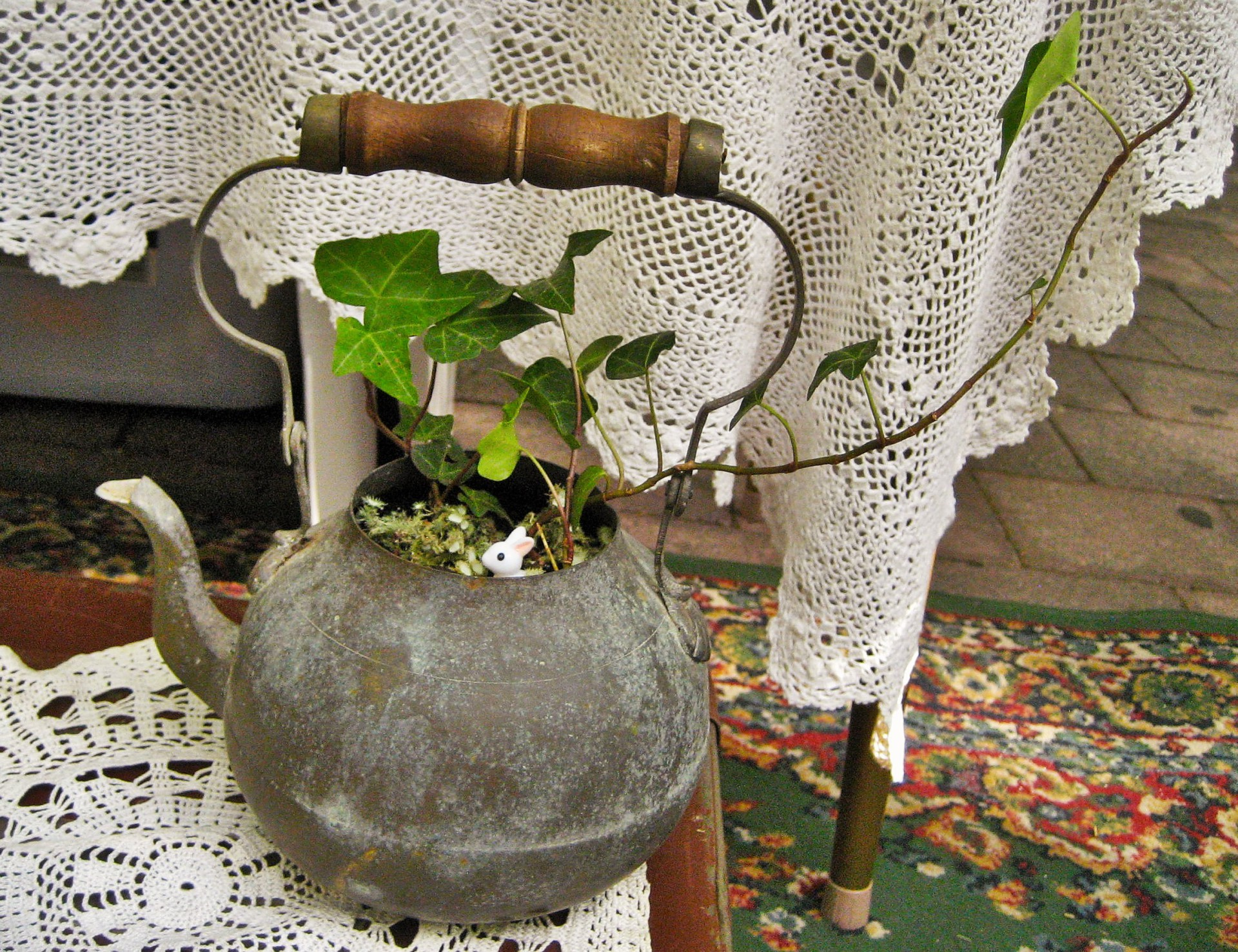 Easter Gift - Antique Kettle with Ivy