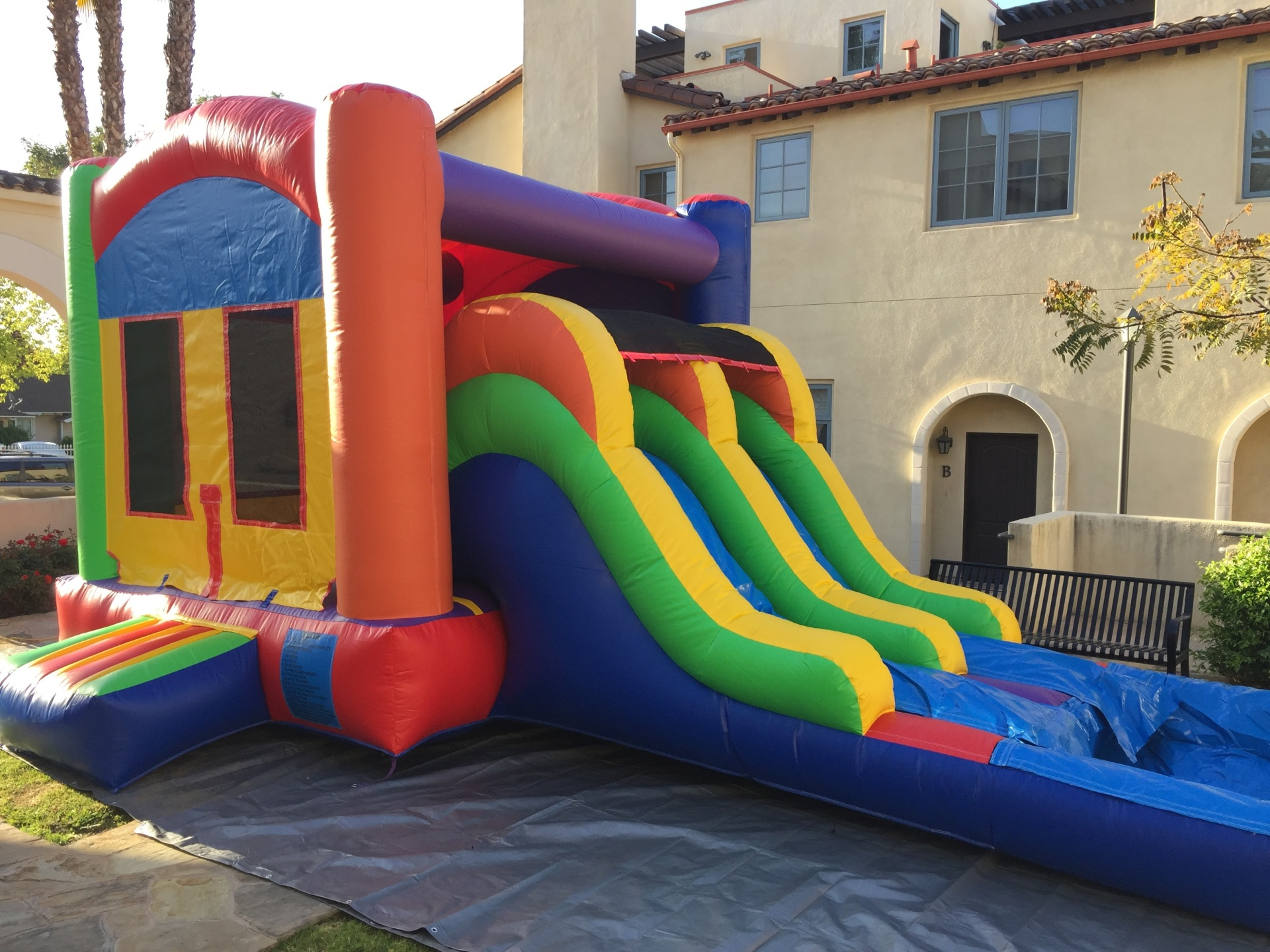 BIG JUMPING AREA, JUMPER WITH ALSIE, DOUBLE WATERSLIDE, COMBO JUMPER, DOUBLE SLIDE COMBO JUMPER, JUMPER WITH SLIDE, WATERSLIDE WITH JUMPER