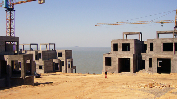 ZhouWenJun-Seaview-Townhouse-Design-02