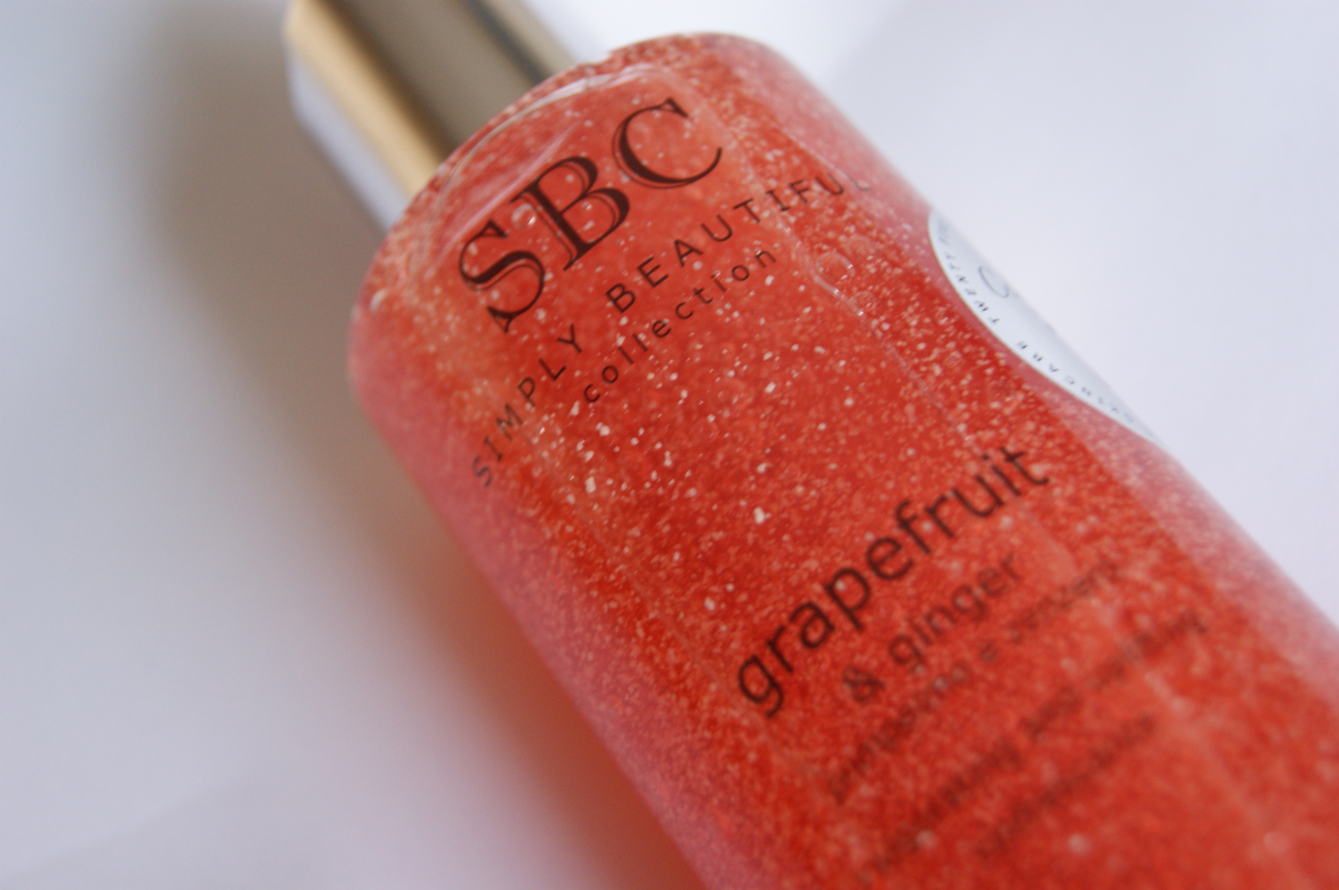SBC Gels Grapefruit & Ginger exfoliating body wash
