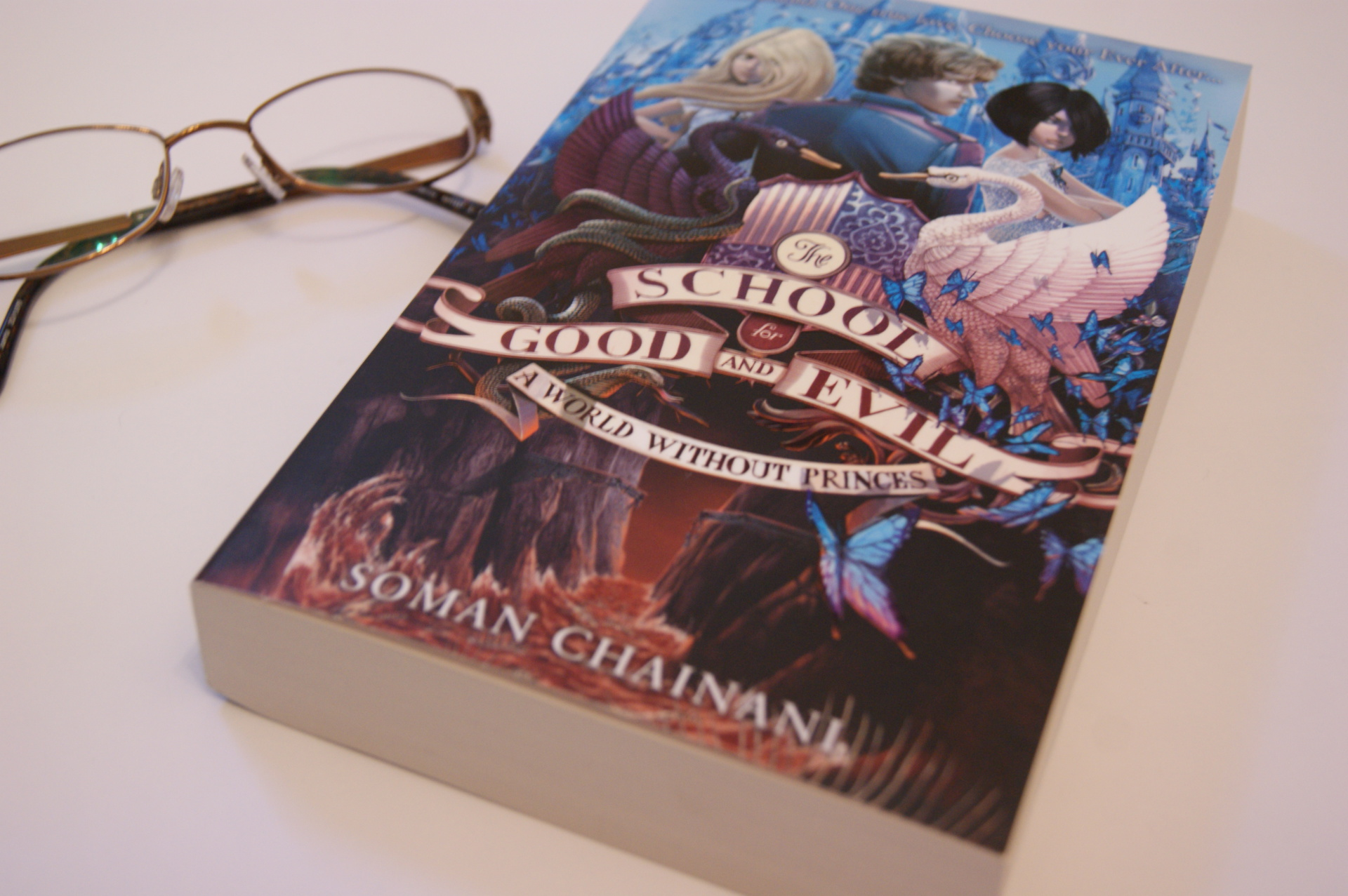 The School for Good & Evil - Book Review