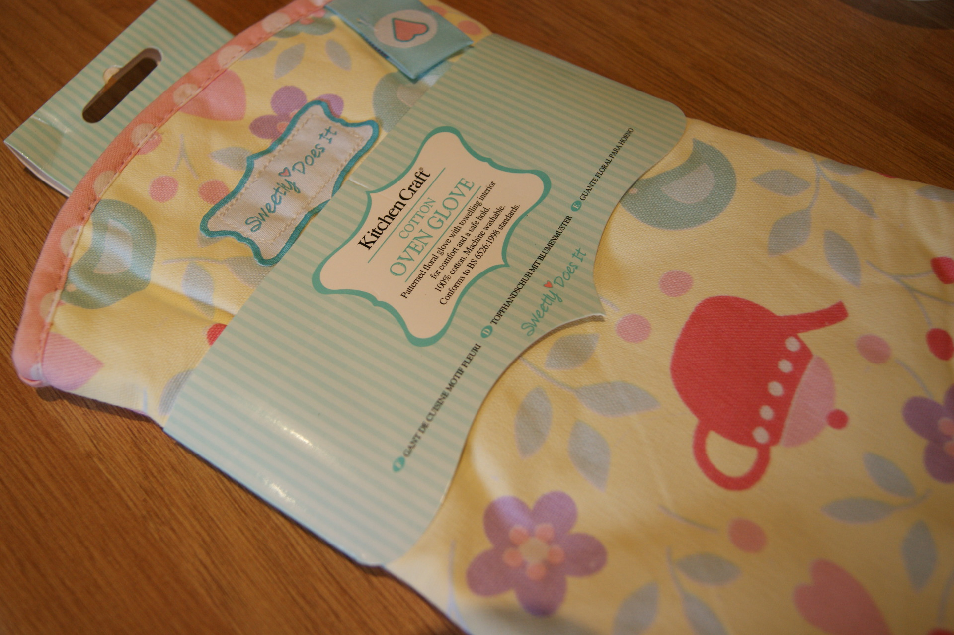 Kitchen Craft - Sweetly Does It Oven Glove