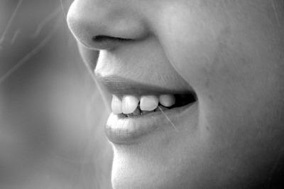100% Natural Teeth Whitening Kit