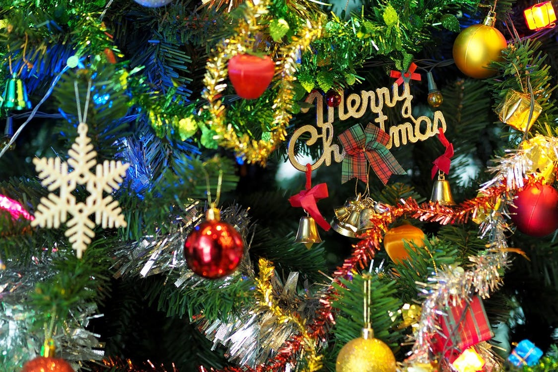 4 Christmas Traditions to Start This Year