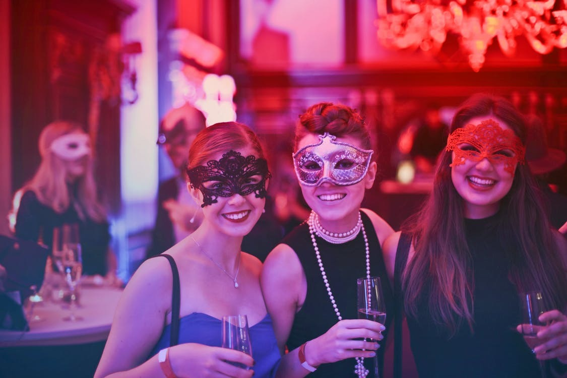 How to Throw an Awesome Hen Weekend