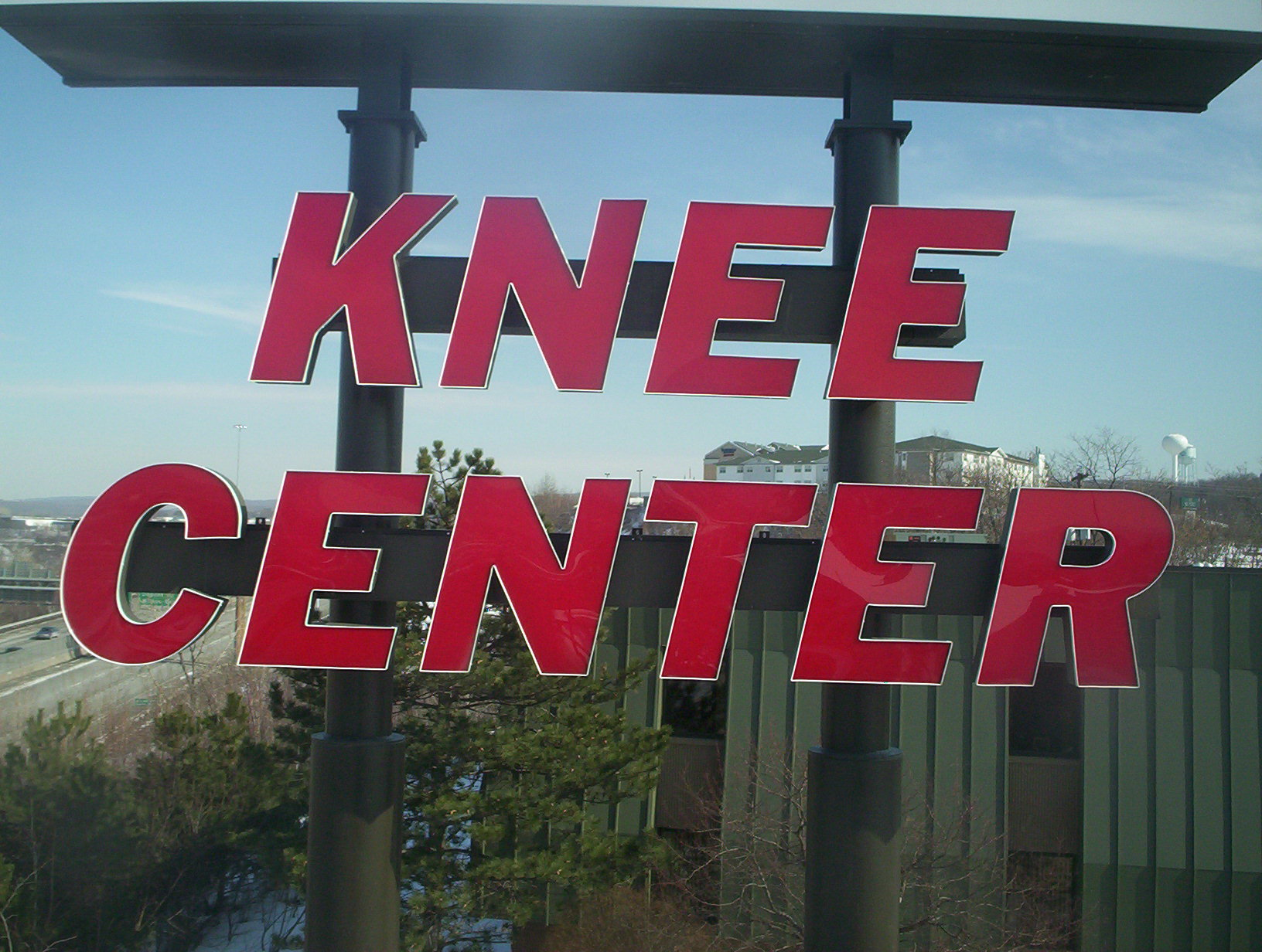Knee-Center-led-retro-2-18-15-004