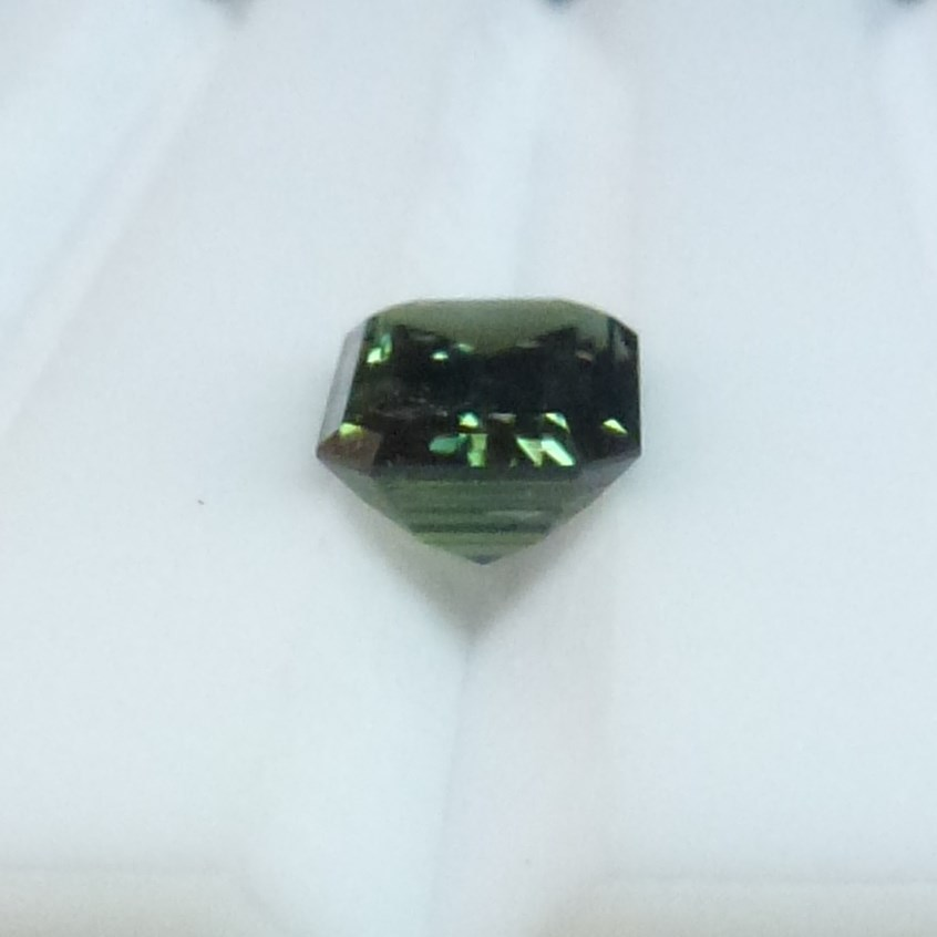 15013 - Green Sapphire