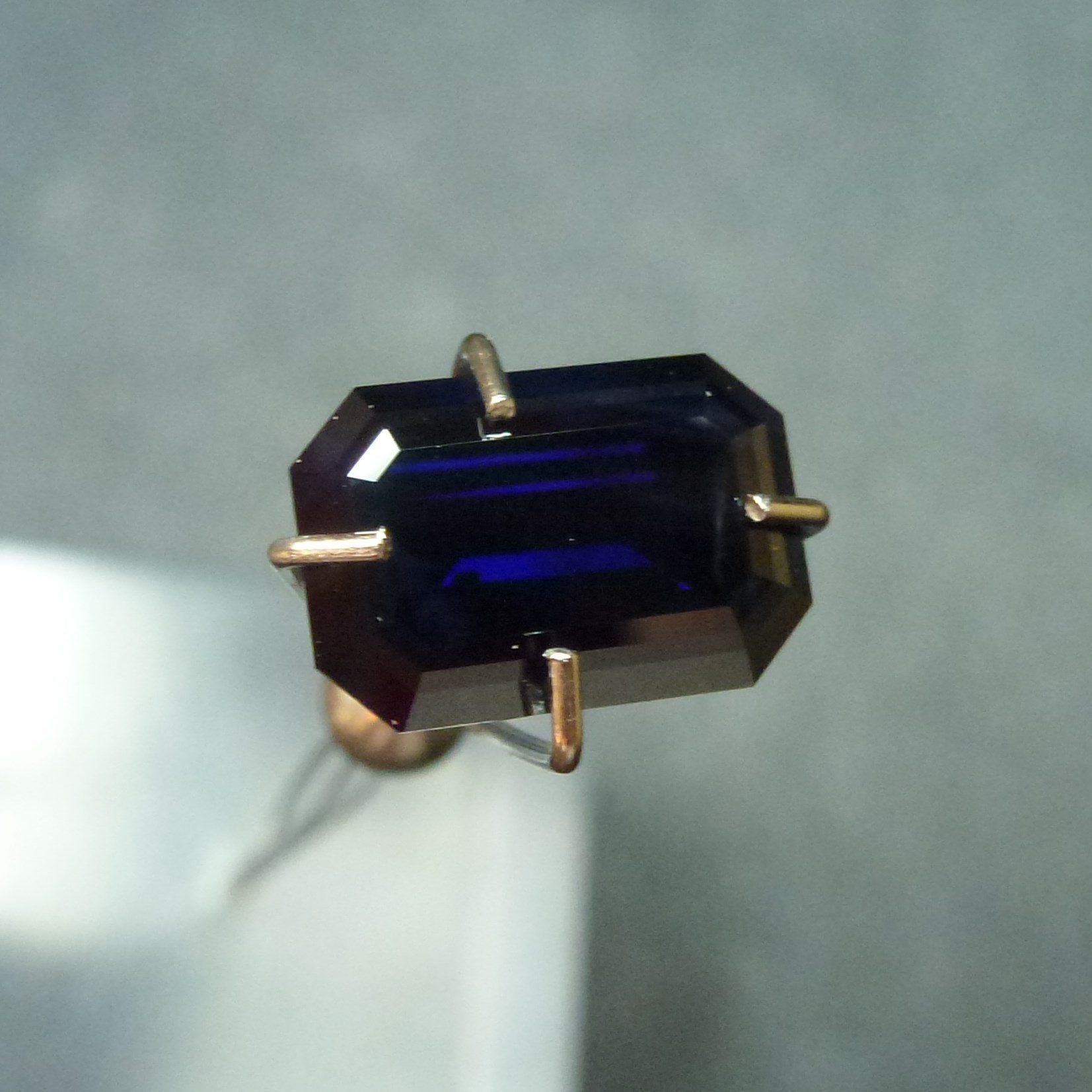 15029 - Top Blue Sapphire