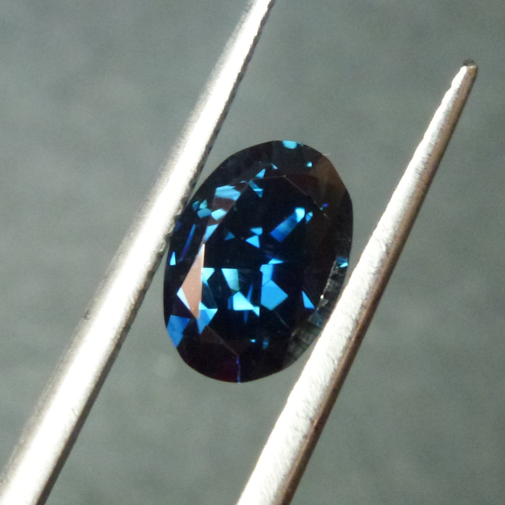 15033 - Top Blue Sapphire
