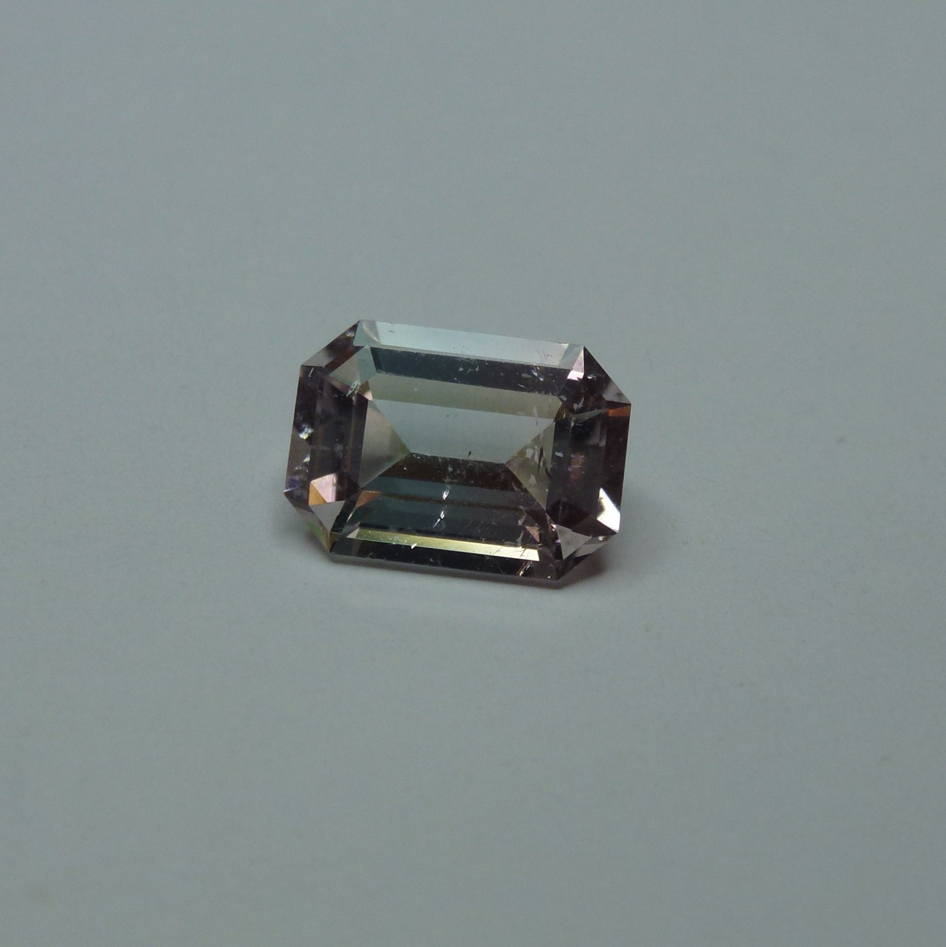 15062 - RARE Blue Pink Bi Colour Tourmaline