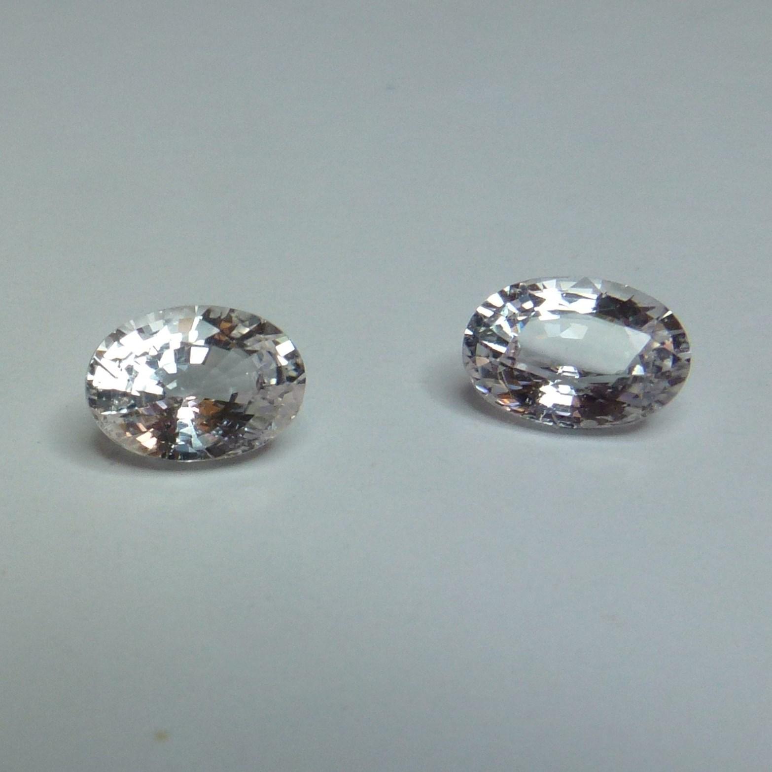 15047 - Pair White Sapphire