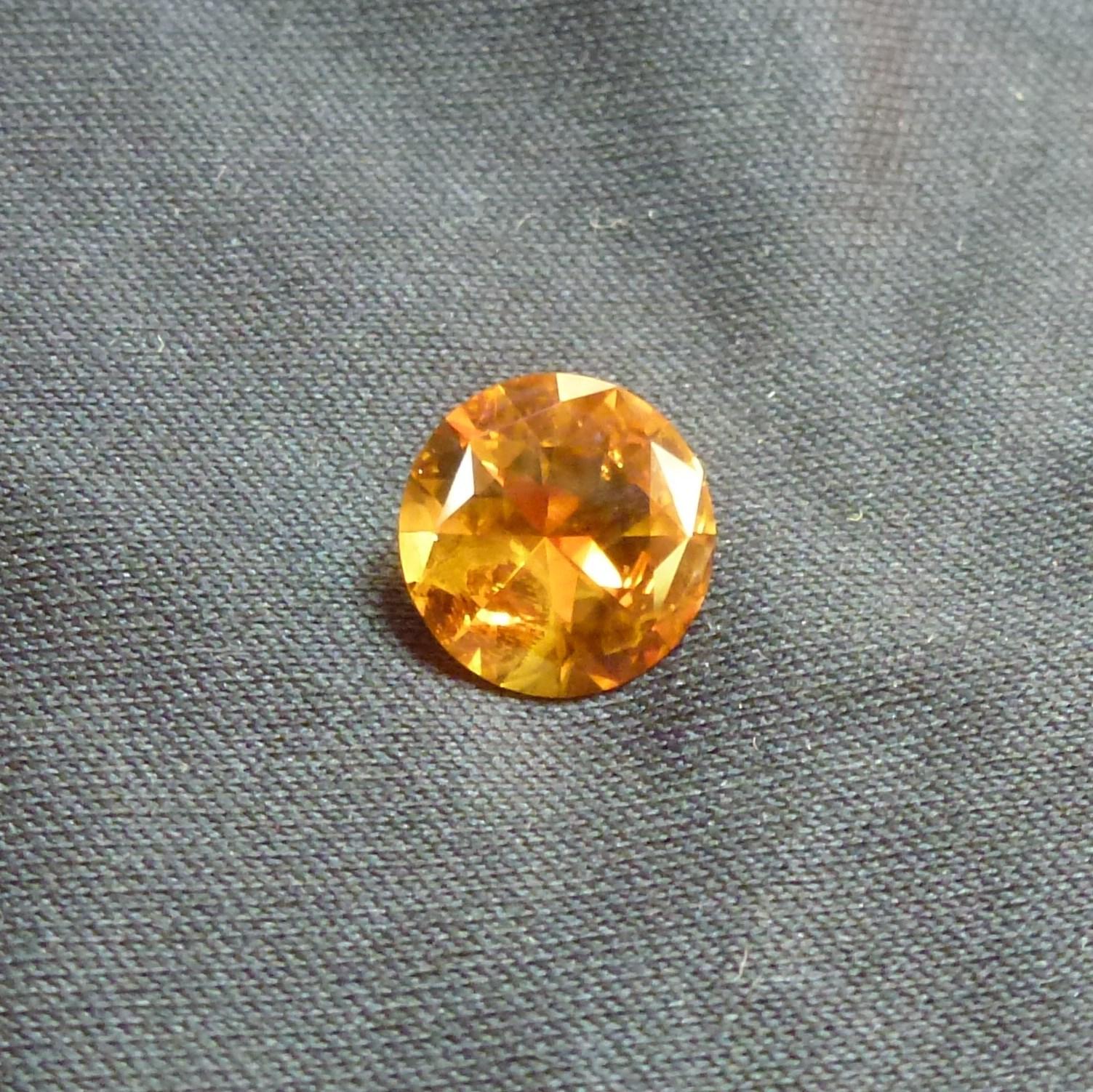 15046 - Orange Parti Sapphire