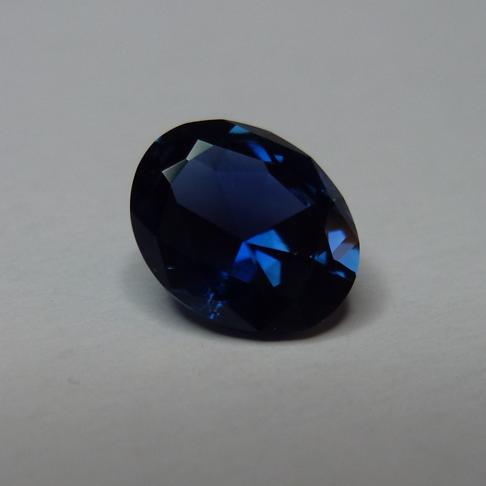 15107 - Top Blue Sapphire