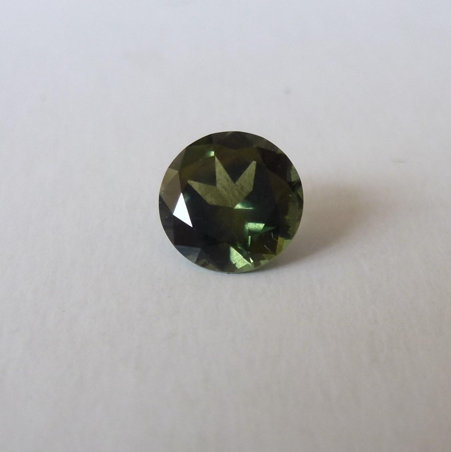 15139 - Green Sapphire