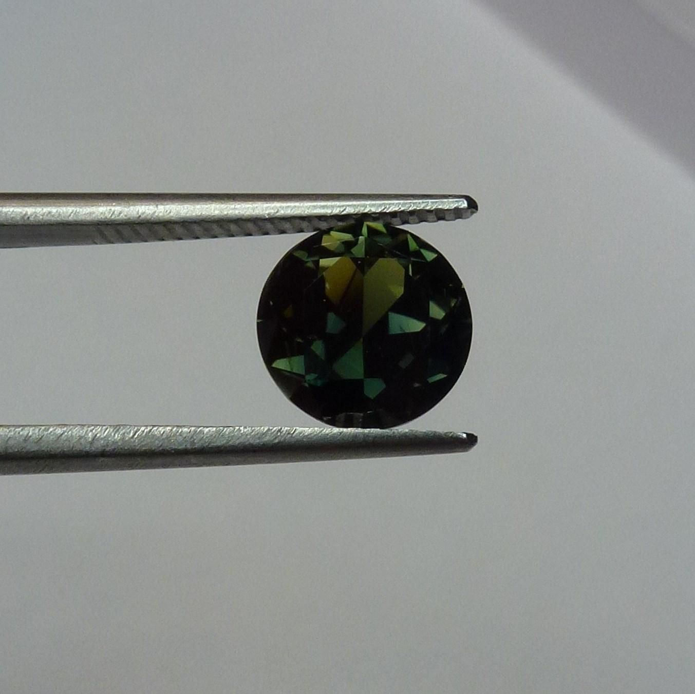 15134 - Green Sapphire