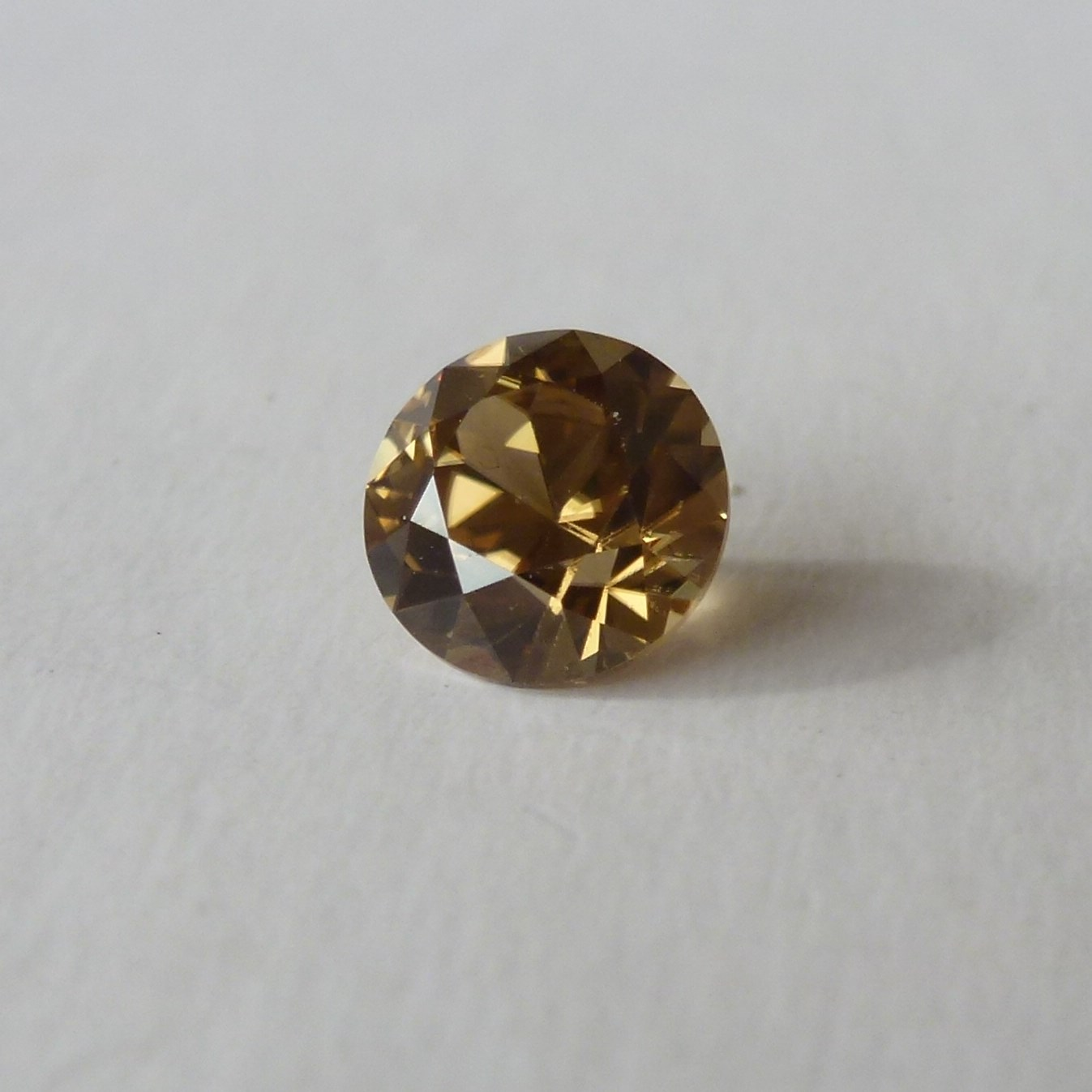 15092 - Honey Zircon