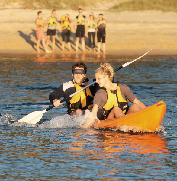 Blind Kayaker, Team Building