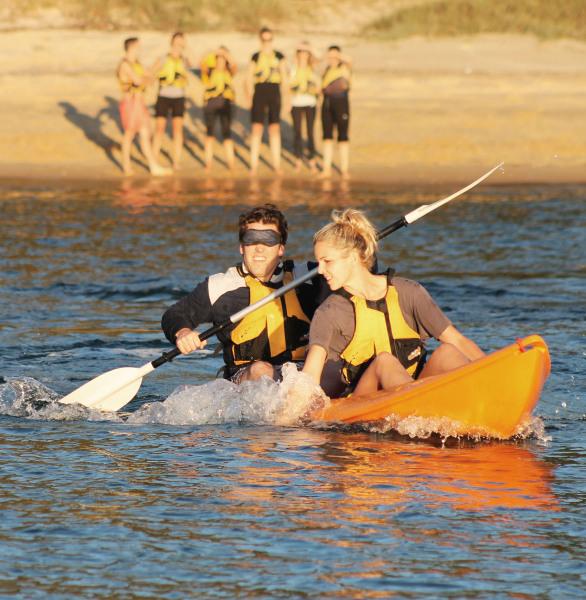 Blind Kayaker, Team Building