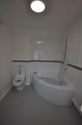Corner Bath Facility