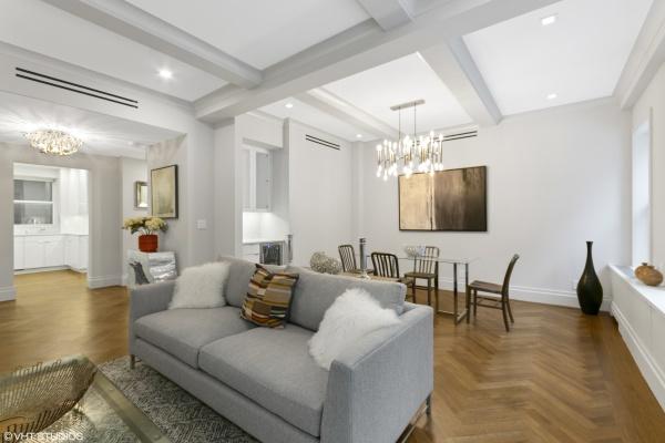 Living Room/Dining Room/ Foyer