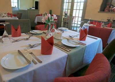 Restaurant / Meeting Rooms
