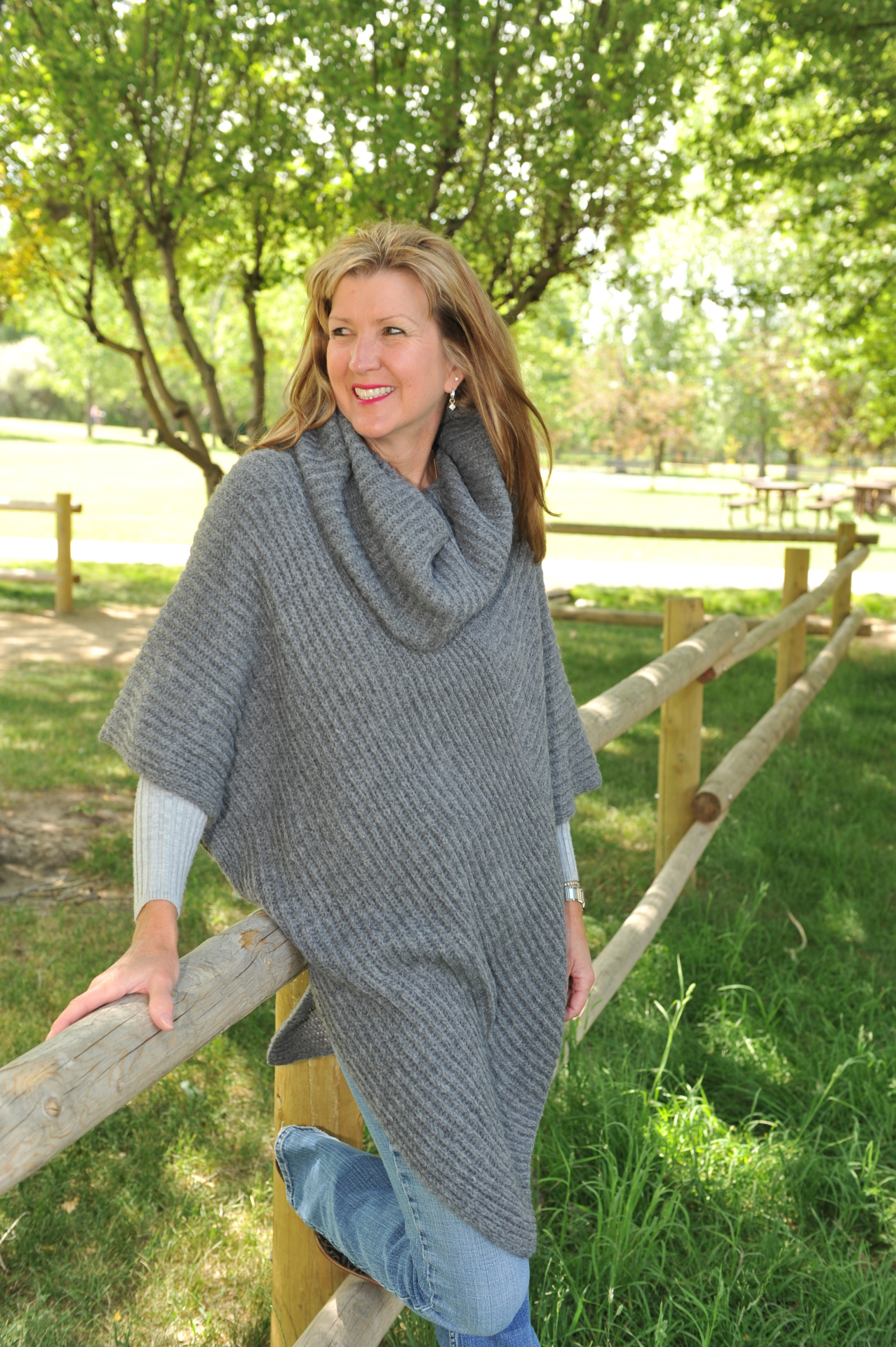 #215HE - HEATHER GREY ITALIAN KNIT PONCHO - $99.95    OUTLET SALE - $35 - ONE SIZE
