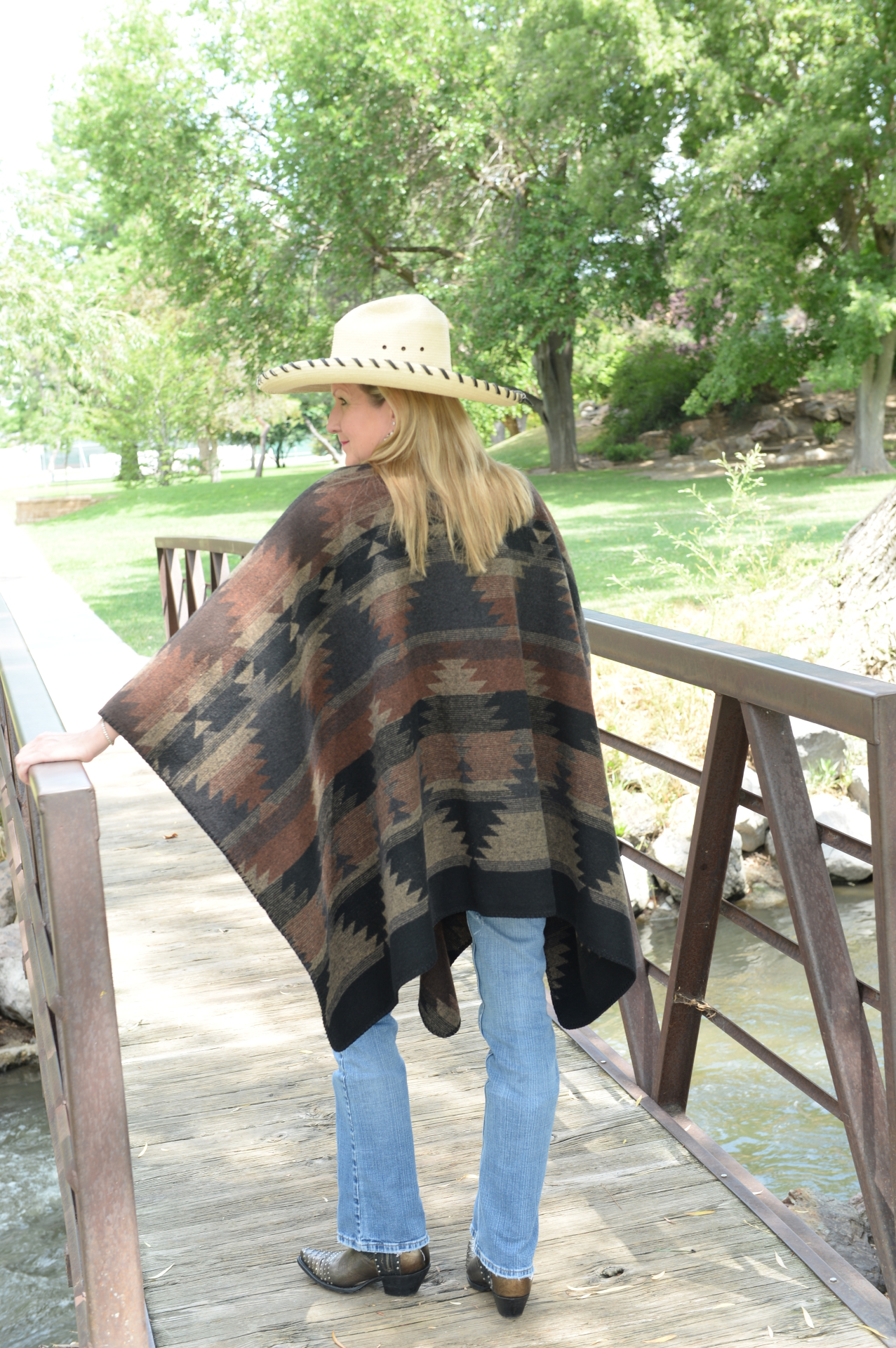 #101BD - BLACK DIAMOND PONCHO - back