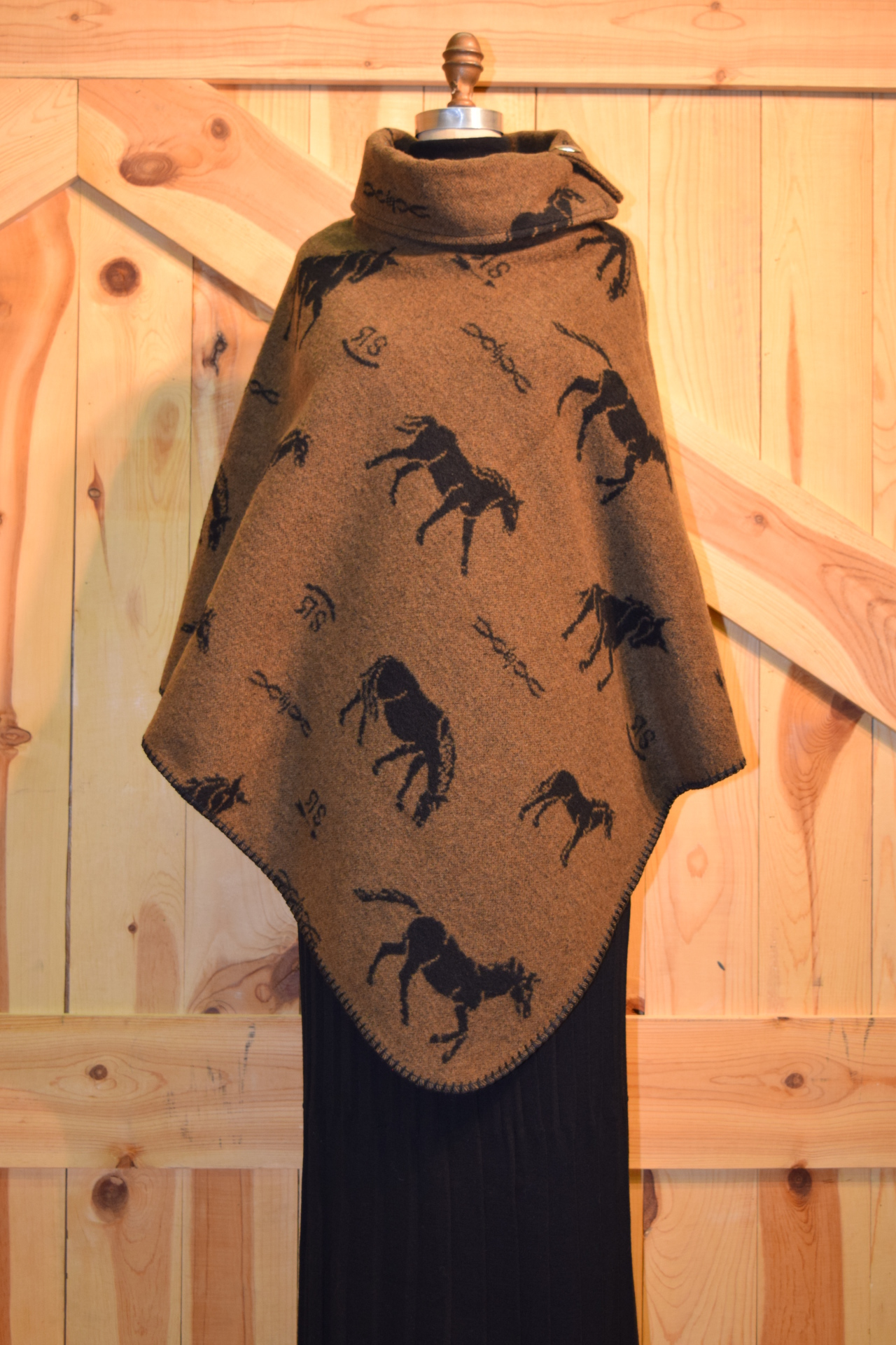 #208HBC - COGNAC HORSE BRANDS BUTTON COLLAR PONCHO - O/S -- $119.95