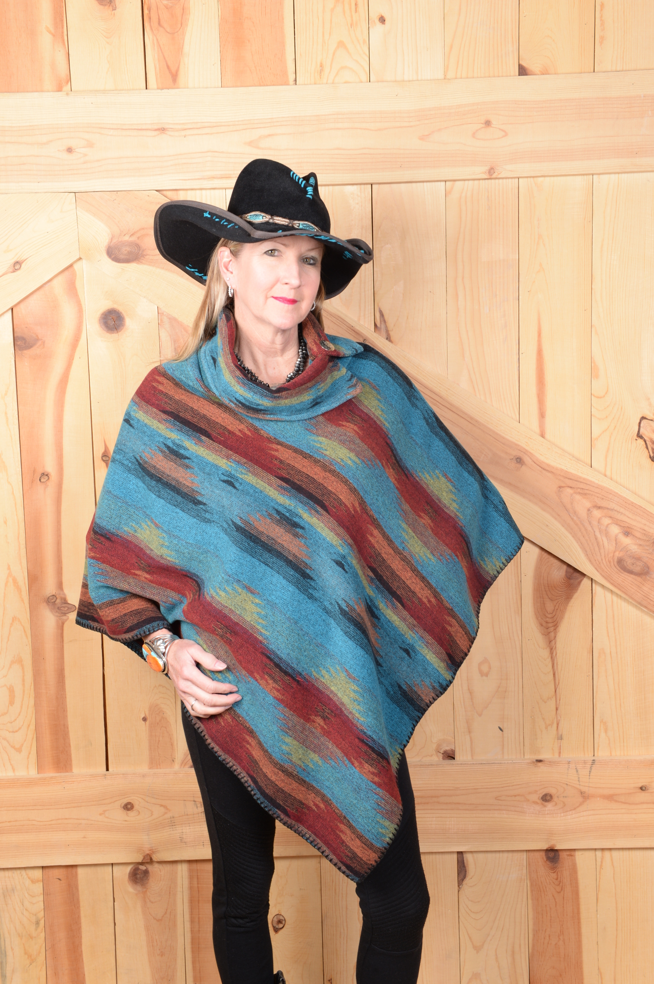 #208BE - BISBEE BUTTON COLLAR PONCHO - O/S -- $119.95