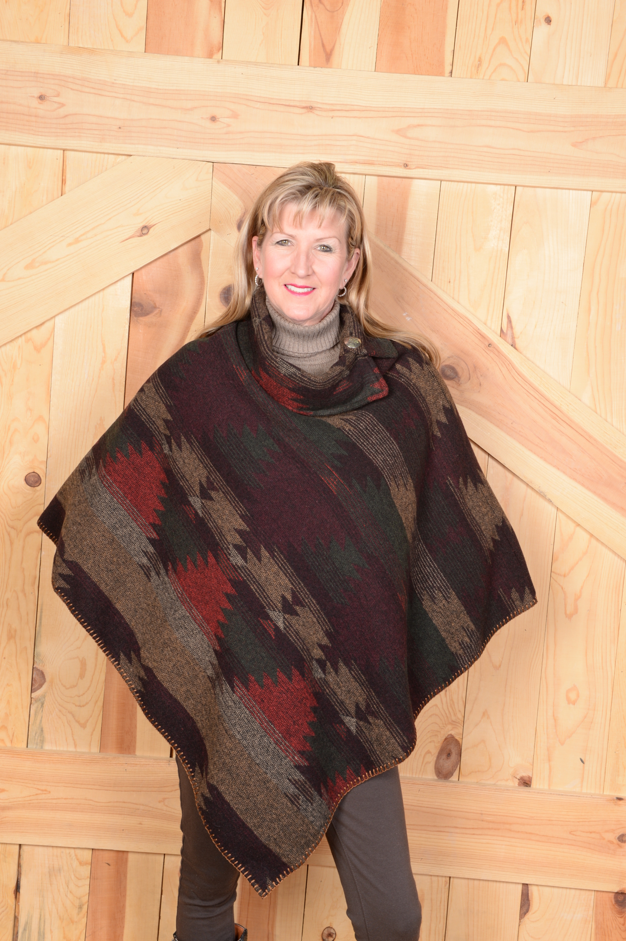 #208BT - BIG TIMBER BUTTON COLLAR PONCHO - O/S -- $119.95