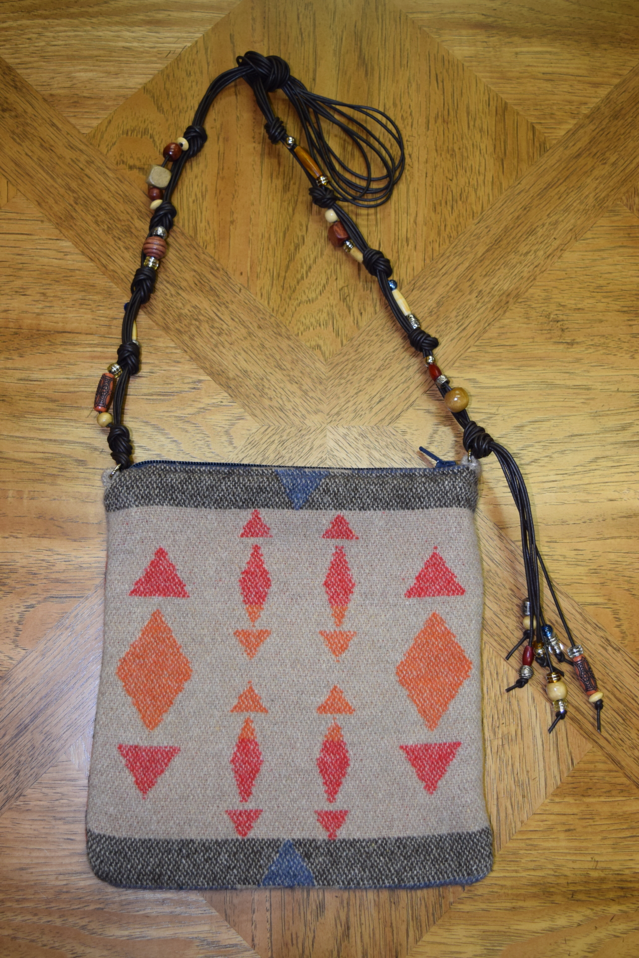 #B05ZS - SAHARA ZUNI BEADED LEATHER STRAP BAG - $129.95
