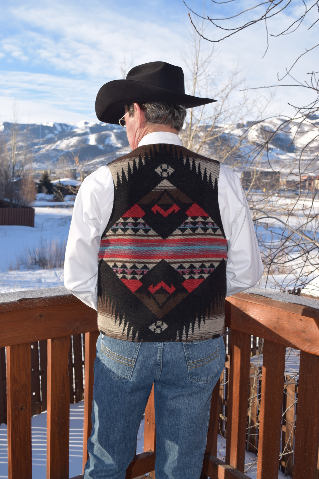 #M150CK - CHEROKEE MEN'S VEST - BACK