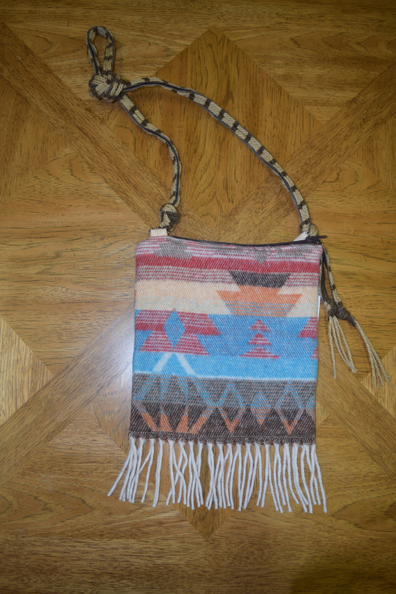 #B07 WHITE SANTA FE FRINGE ZIP BAG - $89.95