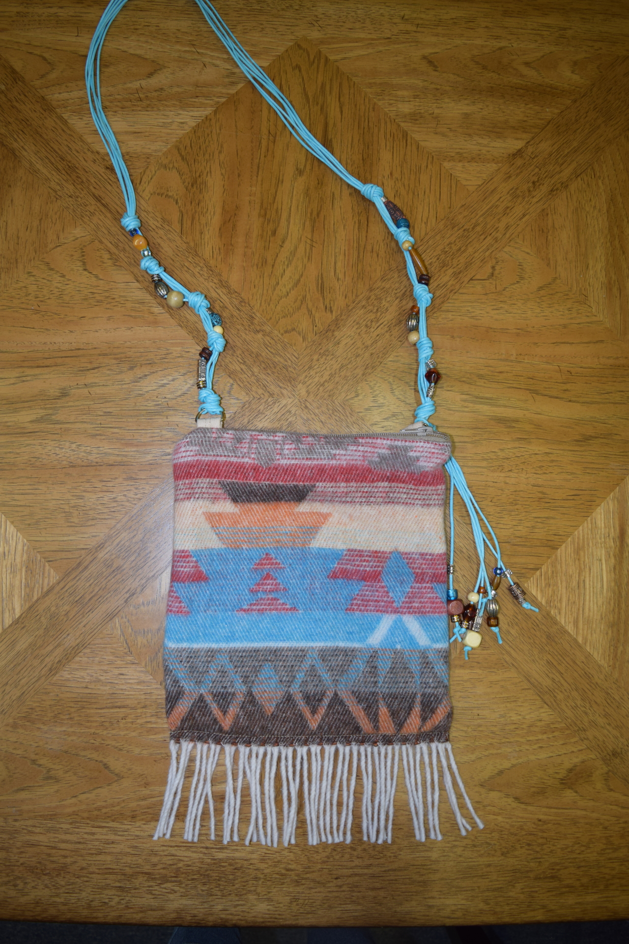 #B05 WHITE SANTA FE FRINGE BEADED STRAP ZIP BAG - $129.95